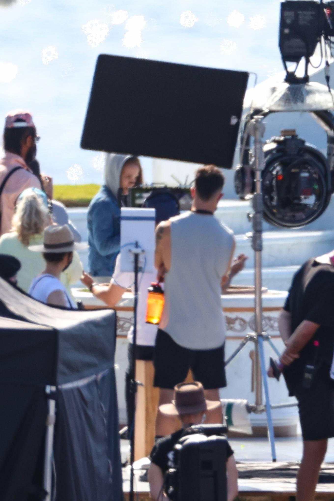 Natalie Portman 2021 : Natalie Portman – With Tessa Thompson filming in Sydney-07