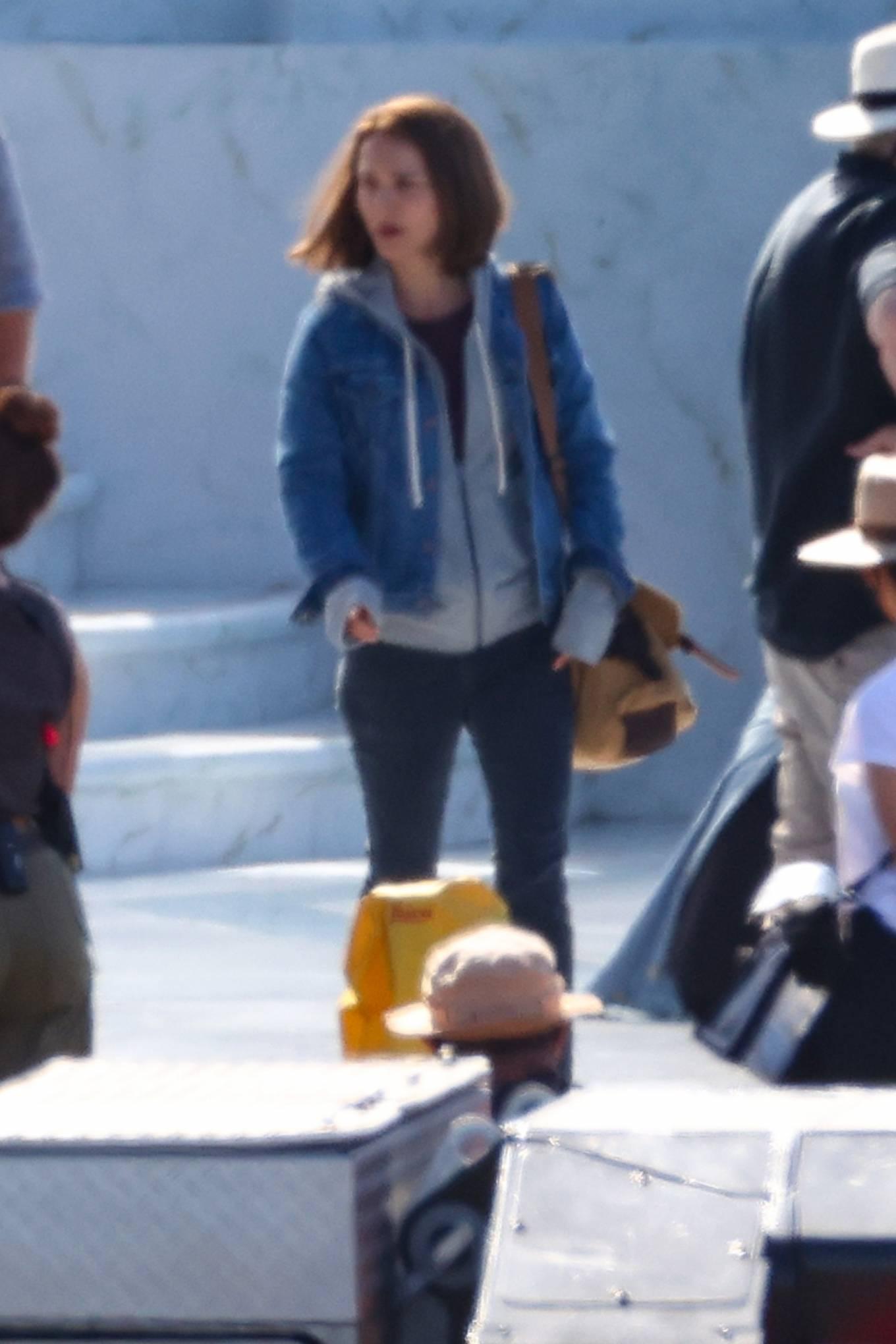 Natalie Portman 2021 : Natalie Portman – With Tessa Thompson filming in Sydney-11