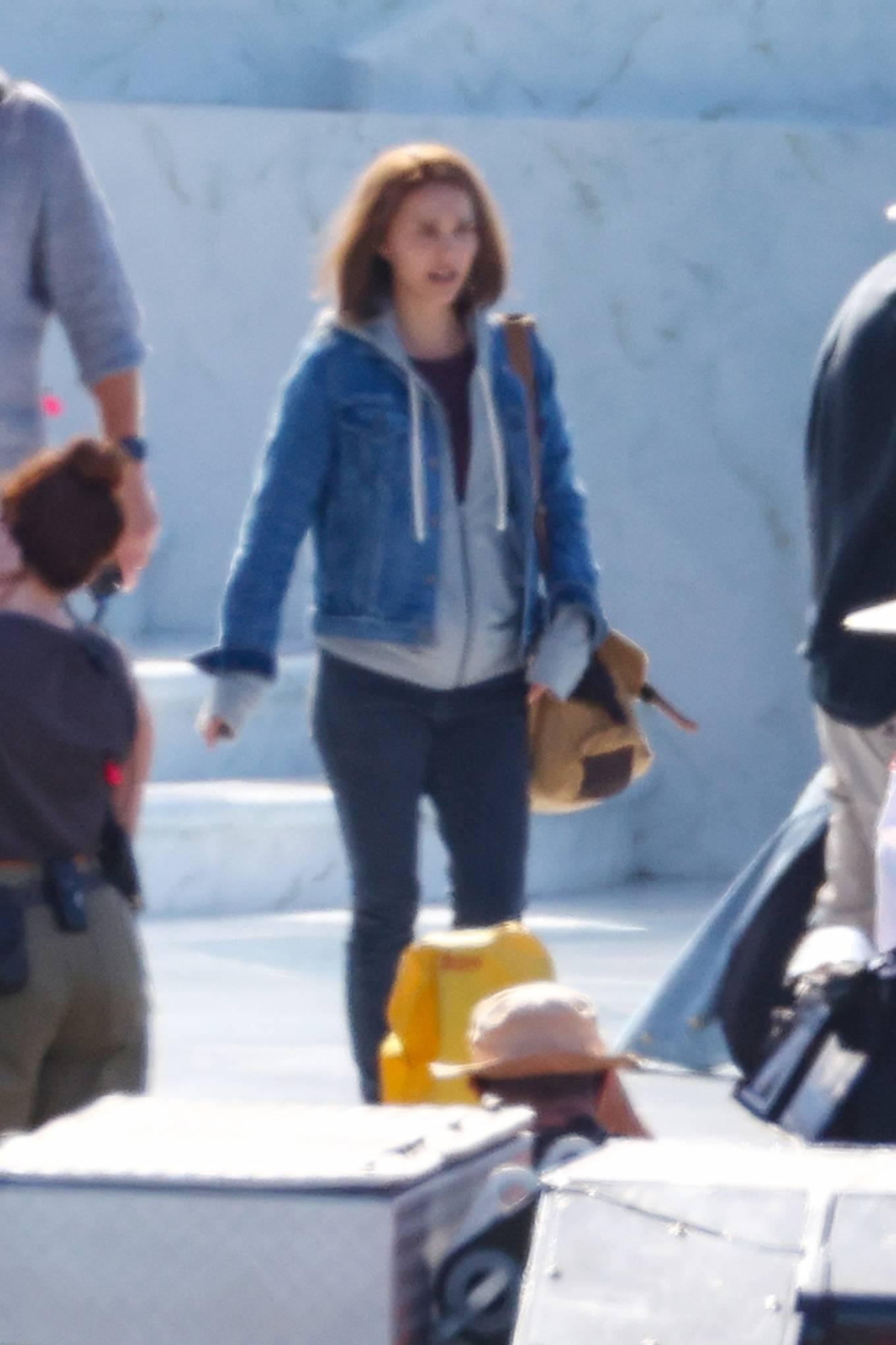 Natalie Portman 2021 : Natalie Portman – With Tessa Thompson filming in Sydney-12