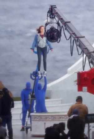 Natalie Portman - With Tessa Thompson filming in Sydney