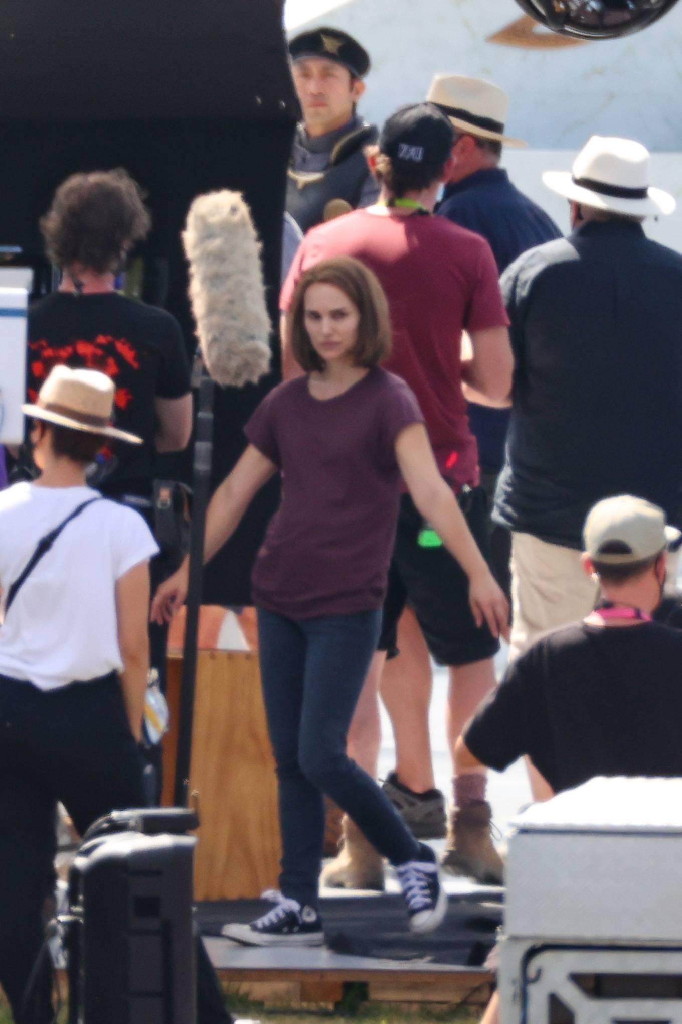 Natalie Portman 2021 : Natalie Portman – With Tessa Thompson filming in Sydney-14