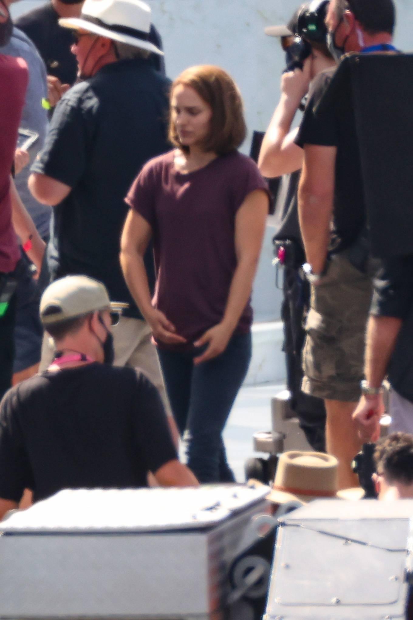 Natalie Portman 2021 : Natalie Portman – With Tessa Thompson filming in Sydney-16