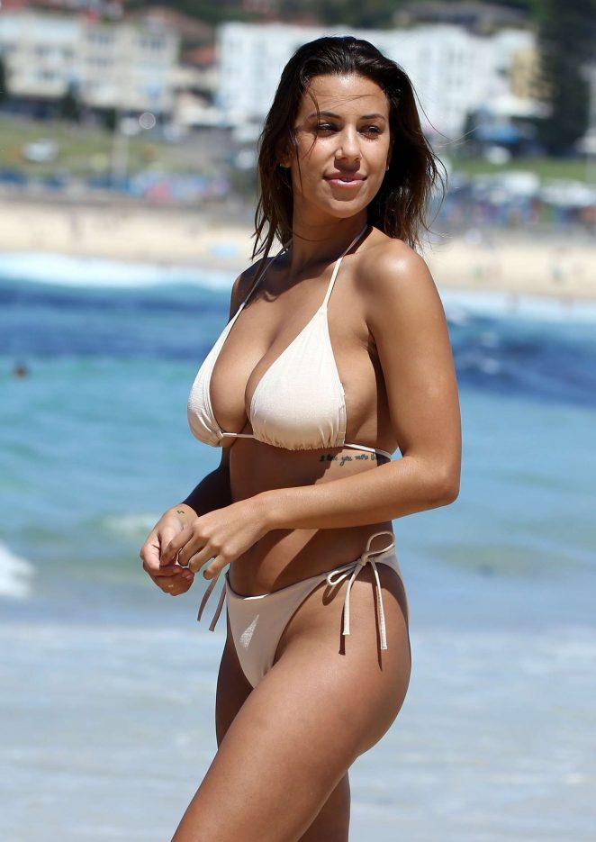 bikini-model-natasha-naked-twink-couple