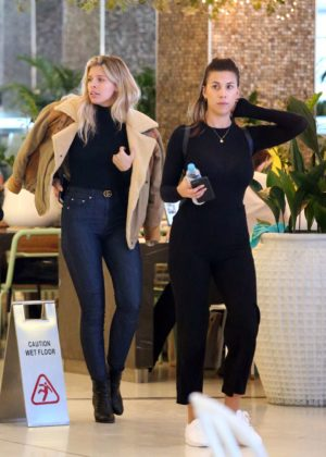 Natasha Oakley and Devin Brugman - Shopping in Sydney