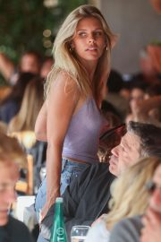 Natasha Oakley - Arrives for an alfresco lunch at Il Pastaio in Beverly Hills