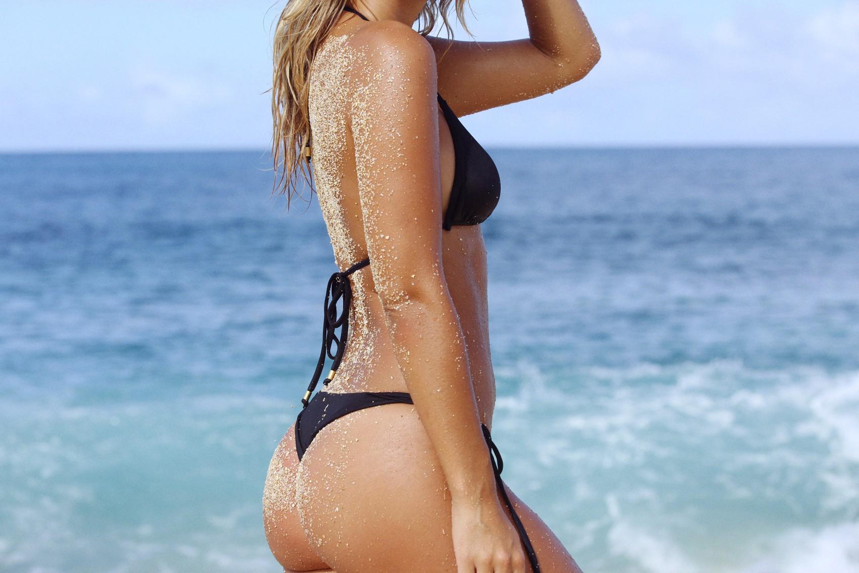 Natasha Oakley 2015 : Natasha Oakley in Little Black Bikini -07