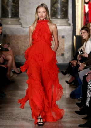 Natasha Poly - Emilio Pucci Fashion Show 2015 in Milan