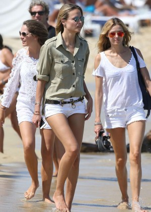 Natasha Poly in Shorts Leaves Bagatelle Restaurant in St. Tropez