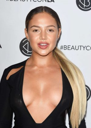 Nathalie Paris - 2017 Beautycon Festival in Los Angeles