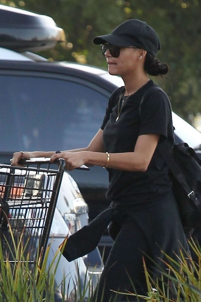Naya Rivera - Goes grocery shopping in Los Angeles