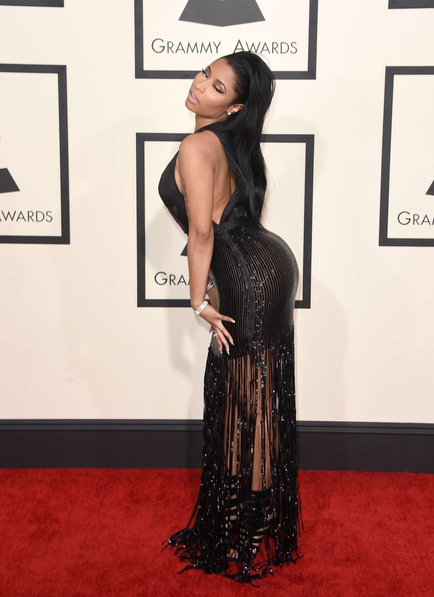 Nicki-Minaj:-2015-GRAMMY-Awards--08.jpg