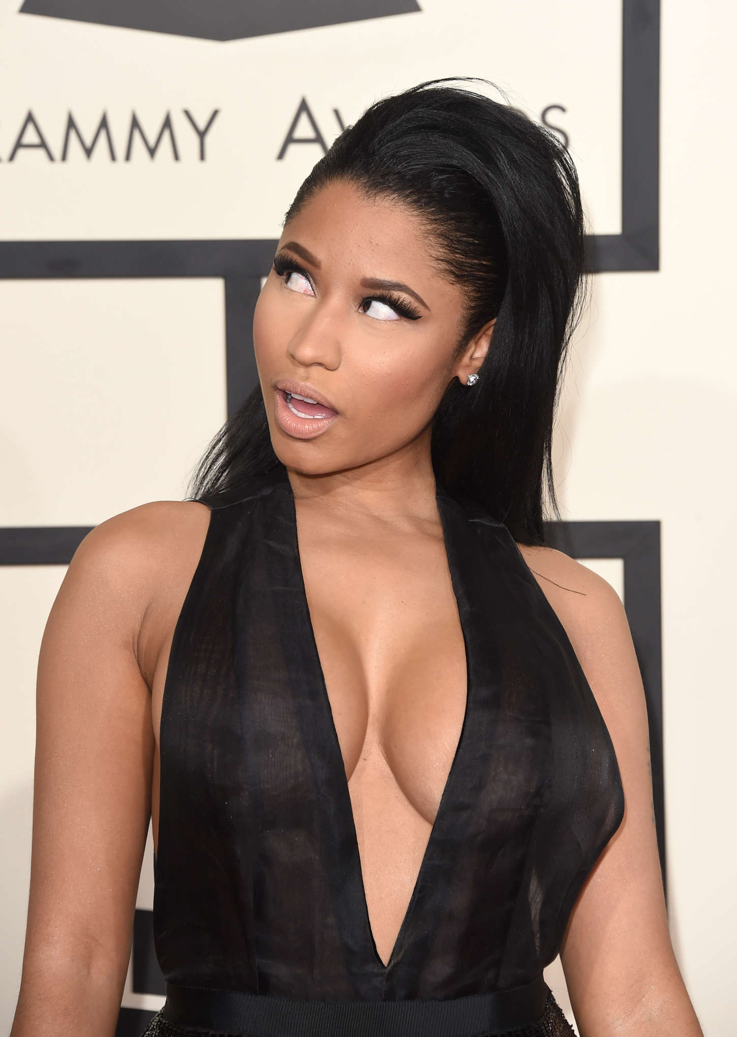 Nicki-Minaj:-2015-GRAMMY-Awards--15.jpg