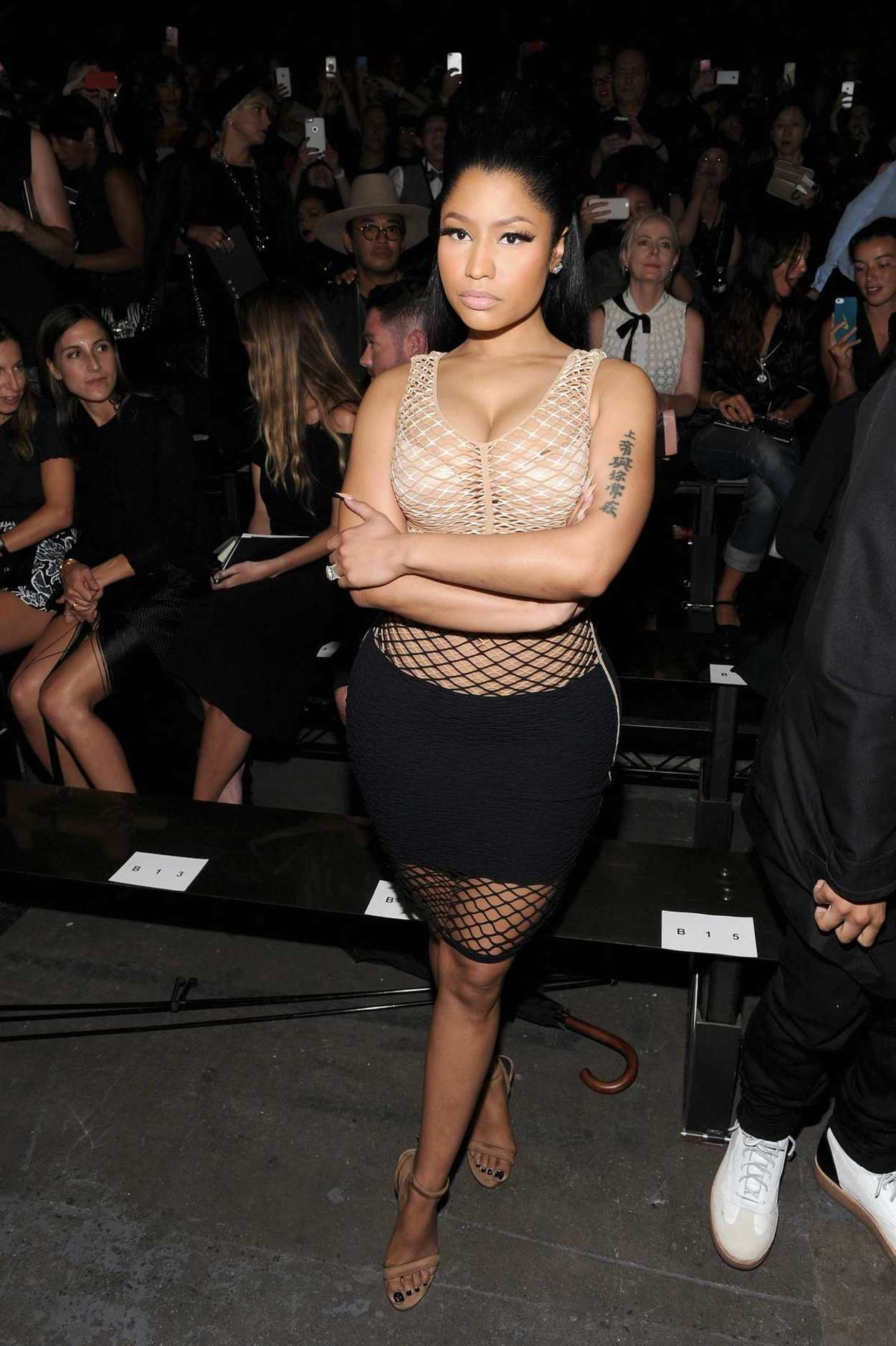 Nicki minaj alexander wang fashion show spring 2016 nyfw in nyc indian girls villa celebs Nicki minaj fashion style 2016