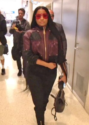 Nicki Minaj - Arrives at LAX Airport in Los Angeles