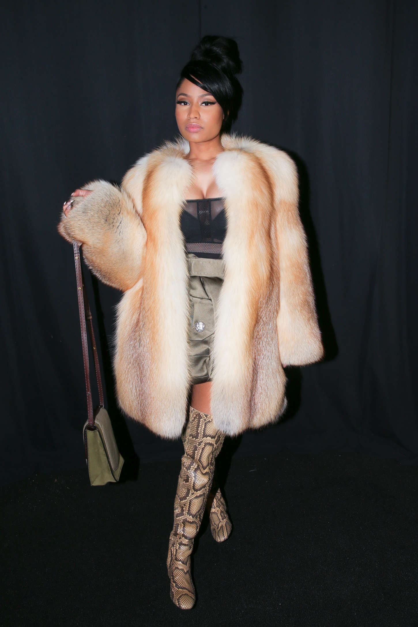 Nicki Minaj Marc Jacobs Fashion Show 2015 11 Gotceleb