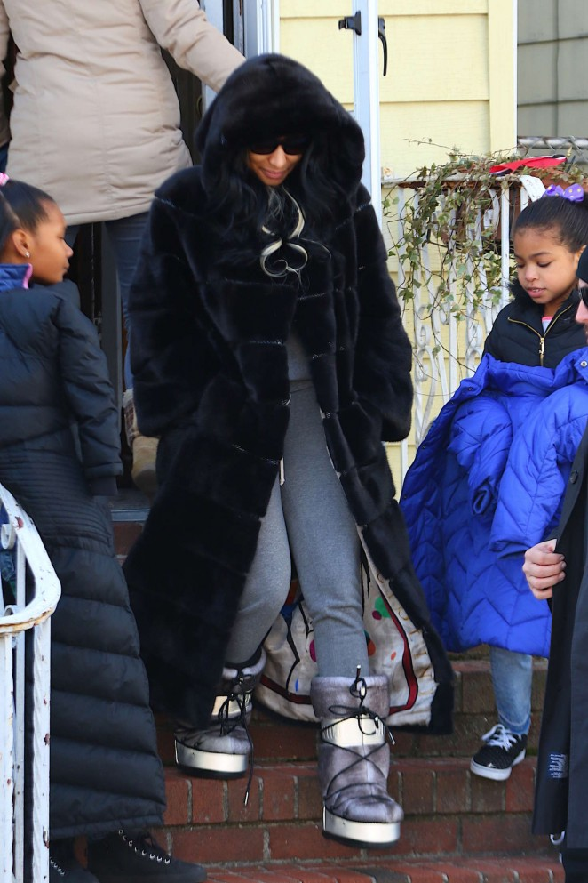 Nicki Minaj on video set in Queens
