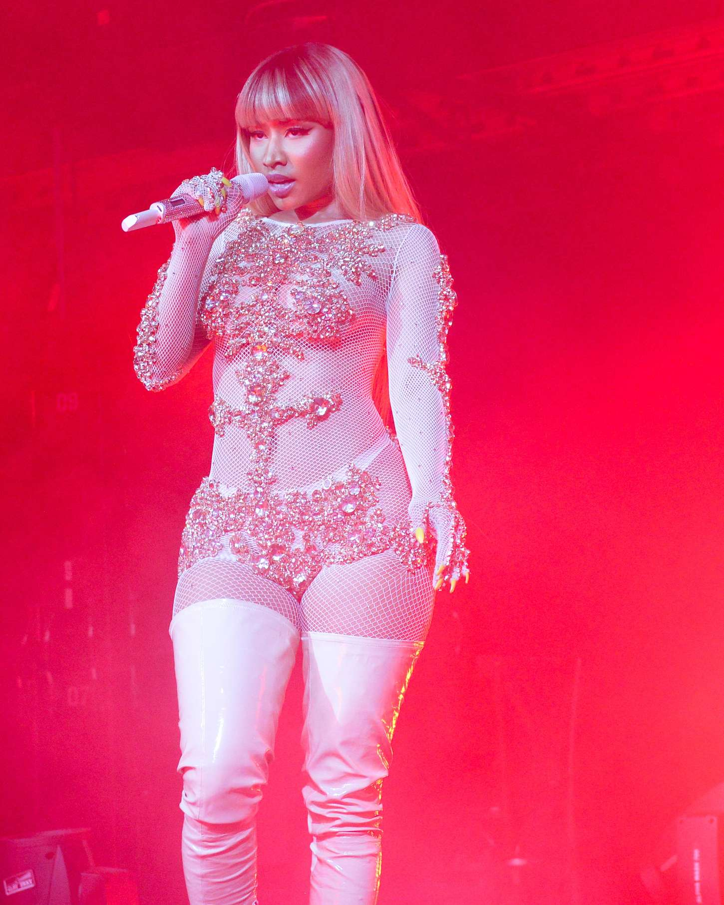 Nicki minaj preforming at the givenchy party at mfw 2016 25 gotceleb Nicki minaj fashion style 2016
