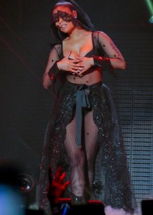 Nicki Minaj: The Pinkprint Tour -10