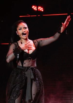 Nicki Minaj: The Pinkprint Tour -65
