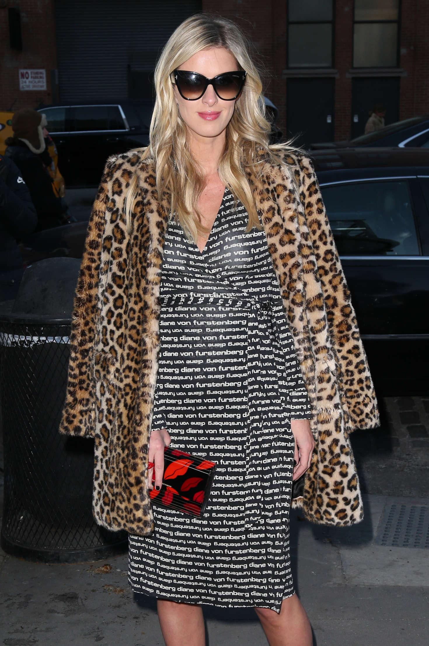 Nicky hilton at diane von furstenberg fashion show in new york for Diane von furstenberg new york