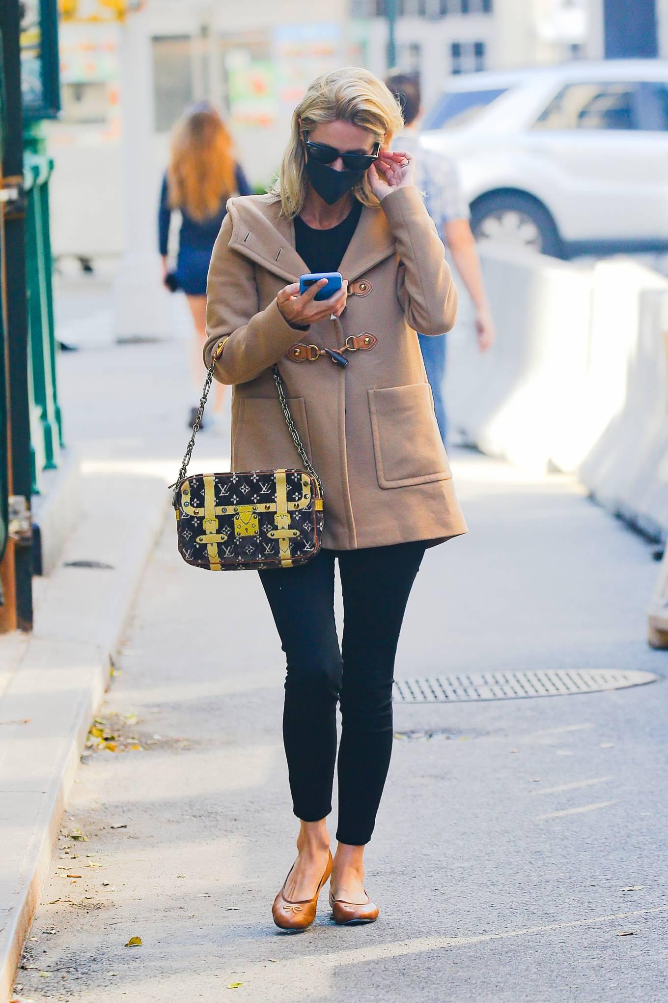 Nicky Hilton - Carrying Louis Vuitton handbag in New York