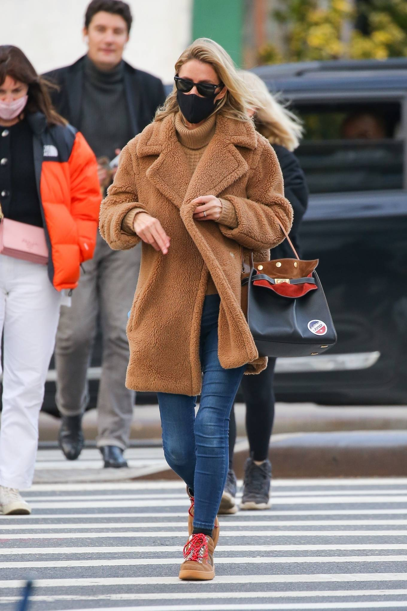 Nicky Hilton - Casting her vote at the polls in New York