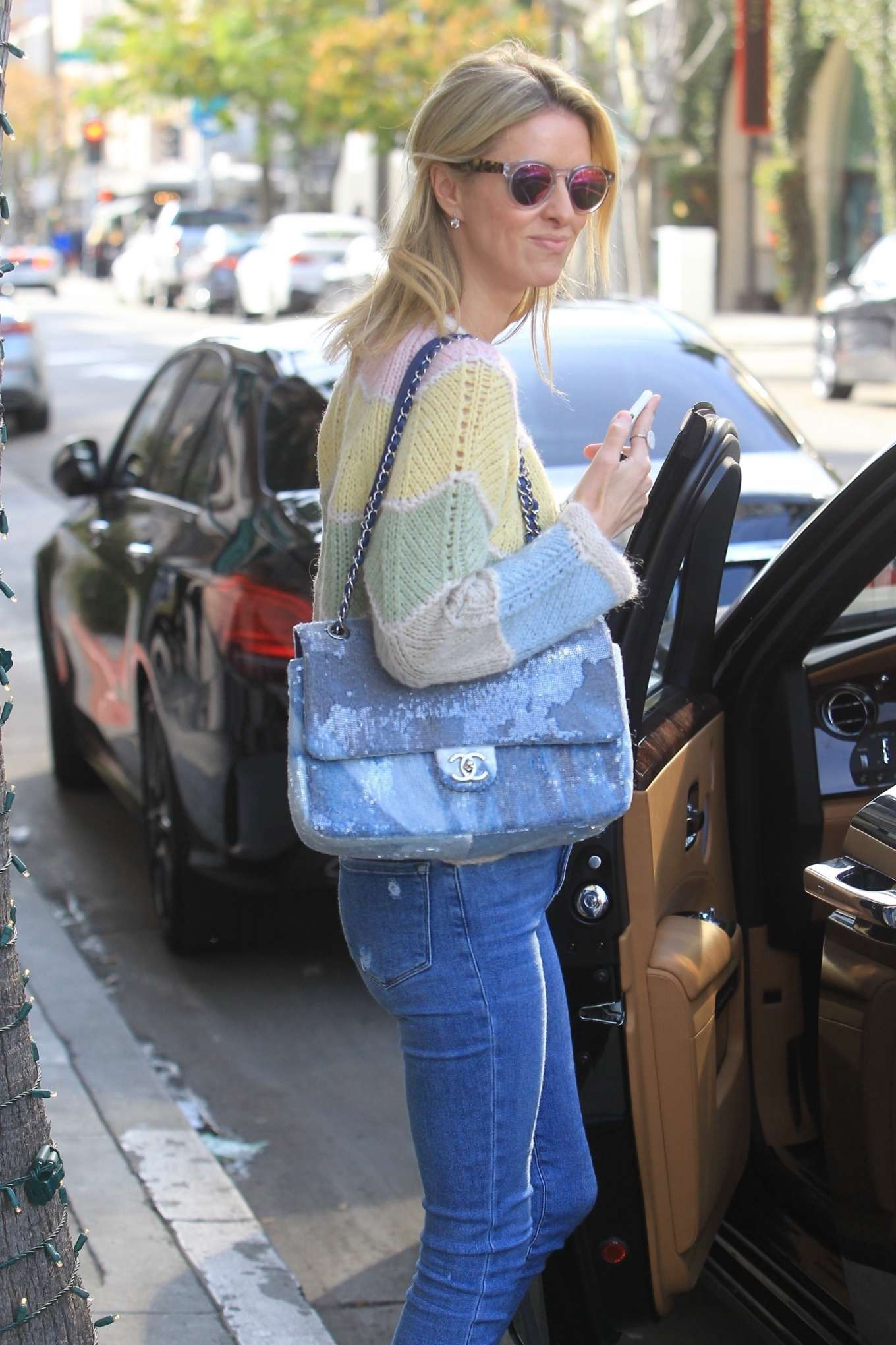 Nicky Hilton 2019 : Nicky Hilton – Christmas shopping in Beverly Hills-10
