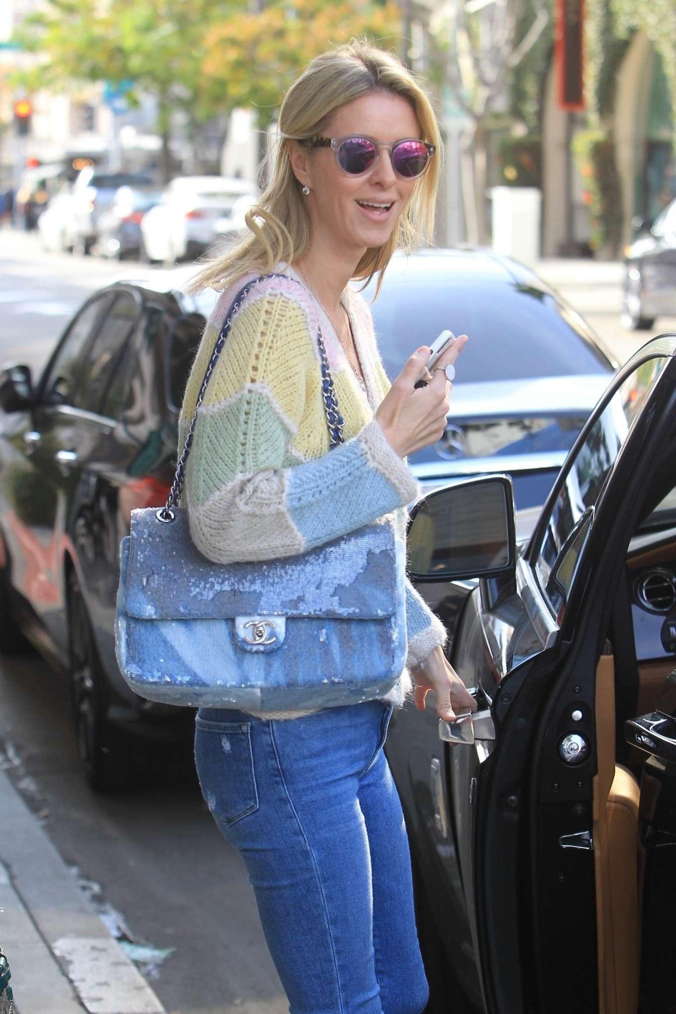 Nicky Hilton 2019 : Nicky Hilton – Christmas shopping in Beverly Hills-12
