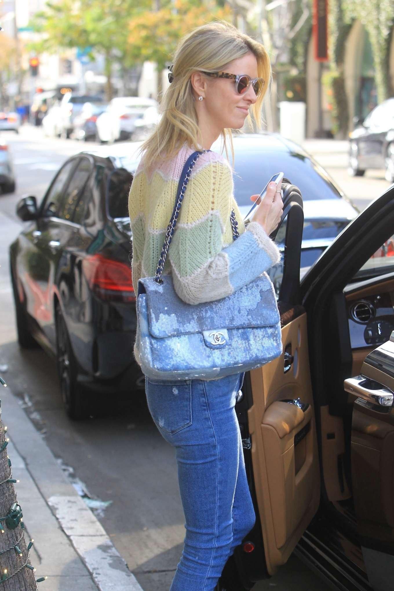 Nicky Hilton 2019 : Nicky Hilton – Christmas shopping in Beverly Hills-16
