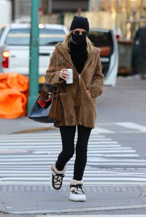 Nicky Hilton - Coffee run candids in Manhattan