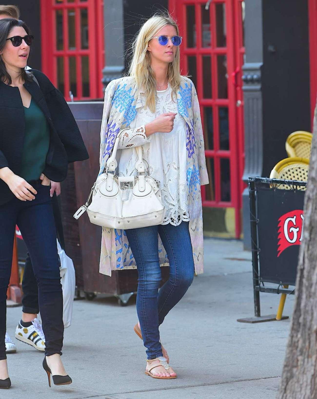 Nicky Hilton 2015 : Nicky Hilton in Jeans -03