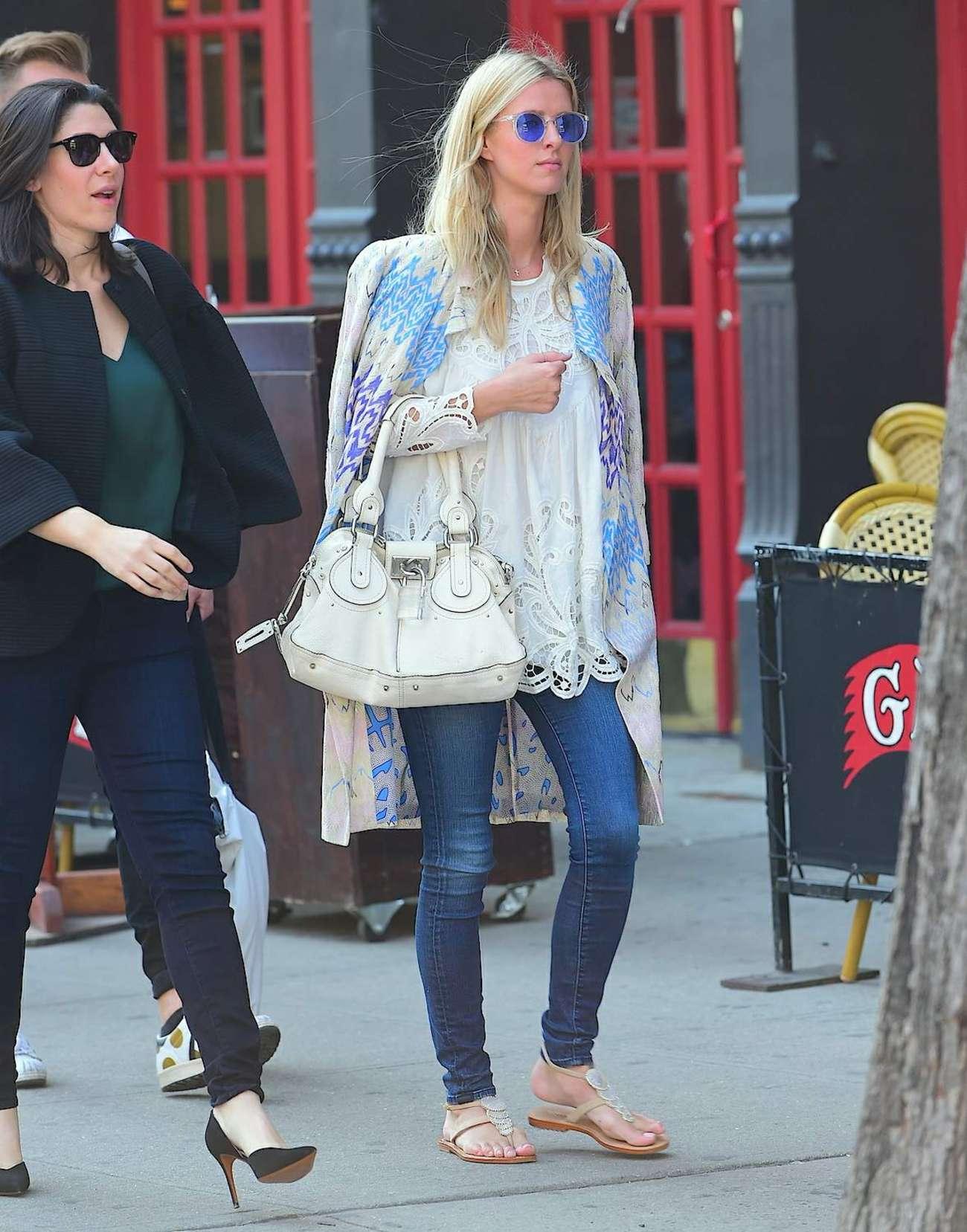 Nicky Hilton 2015 : Nicky Hilton in Jeans -09