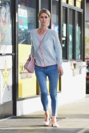 Nicky Hilton - Leaving a gas station in Beverly Hills