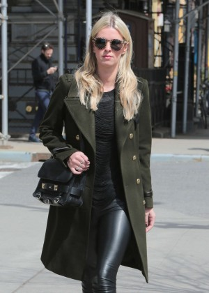 Nicky Hilton - Out and about in Beverly Hills