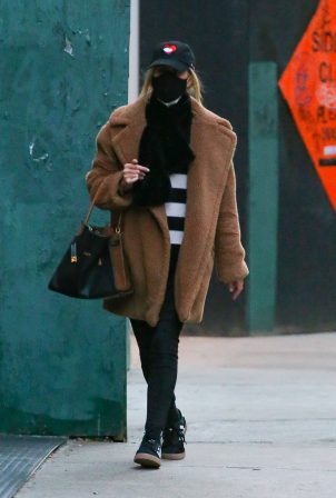 Nicky Hilton - Out running errands in New York
