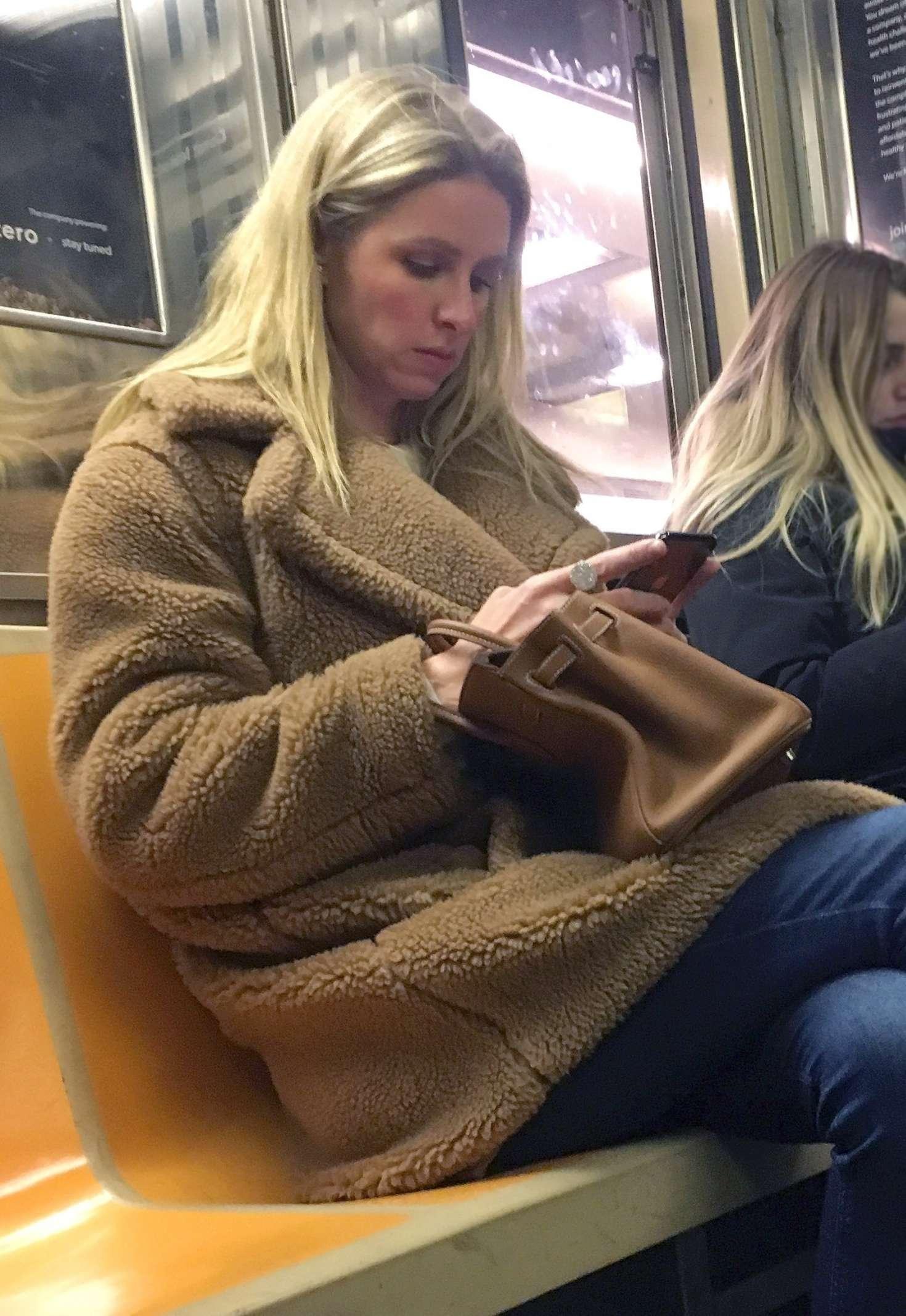 Nicky Hilton 2019 : Nicky Hilton: Riding the subway in New York -03