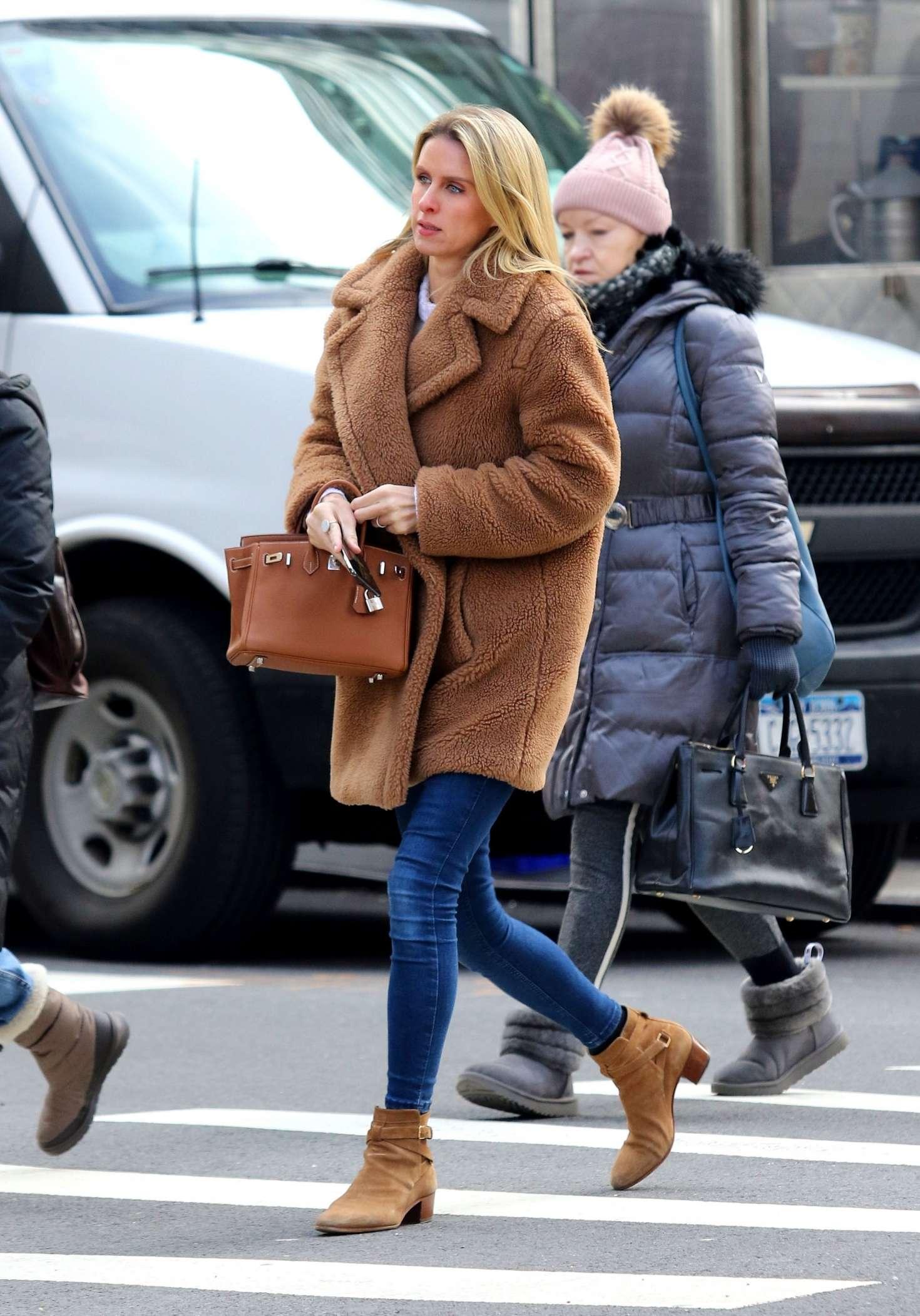 Nicky Hilton 2019 : Nicky Hilton: Riding the subway in New York -08