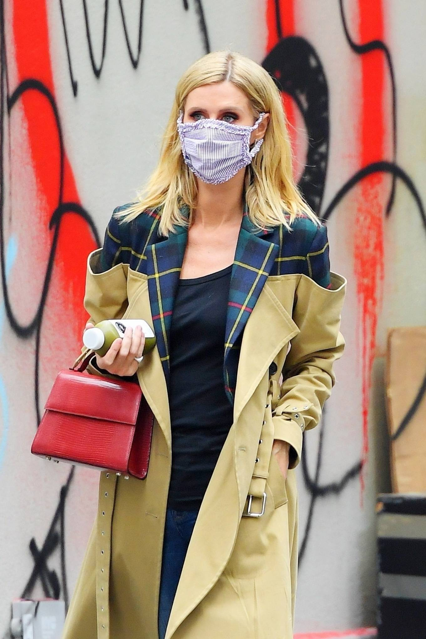 Nicky Hilton Rothschild - Looking chic while out in Soho