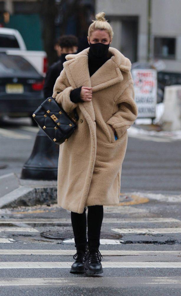 Nicky Hilton Rothschild  - Looking stylish in Manhattan's Soho area