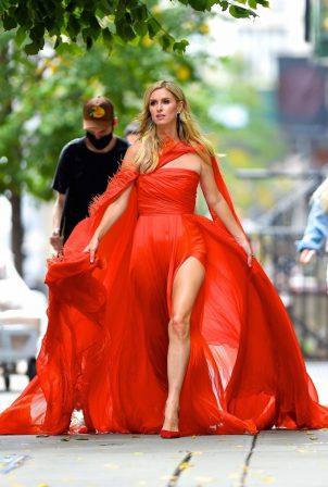 Nicky Hilton Rothschild - Photoshoot candids in New York