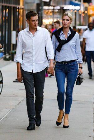 Nicky Hilton Rothschild - Steps out for a walk around Soho
