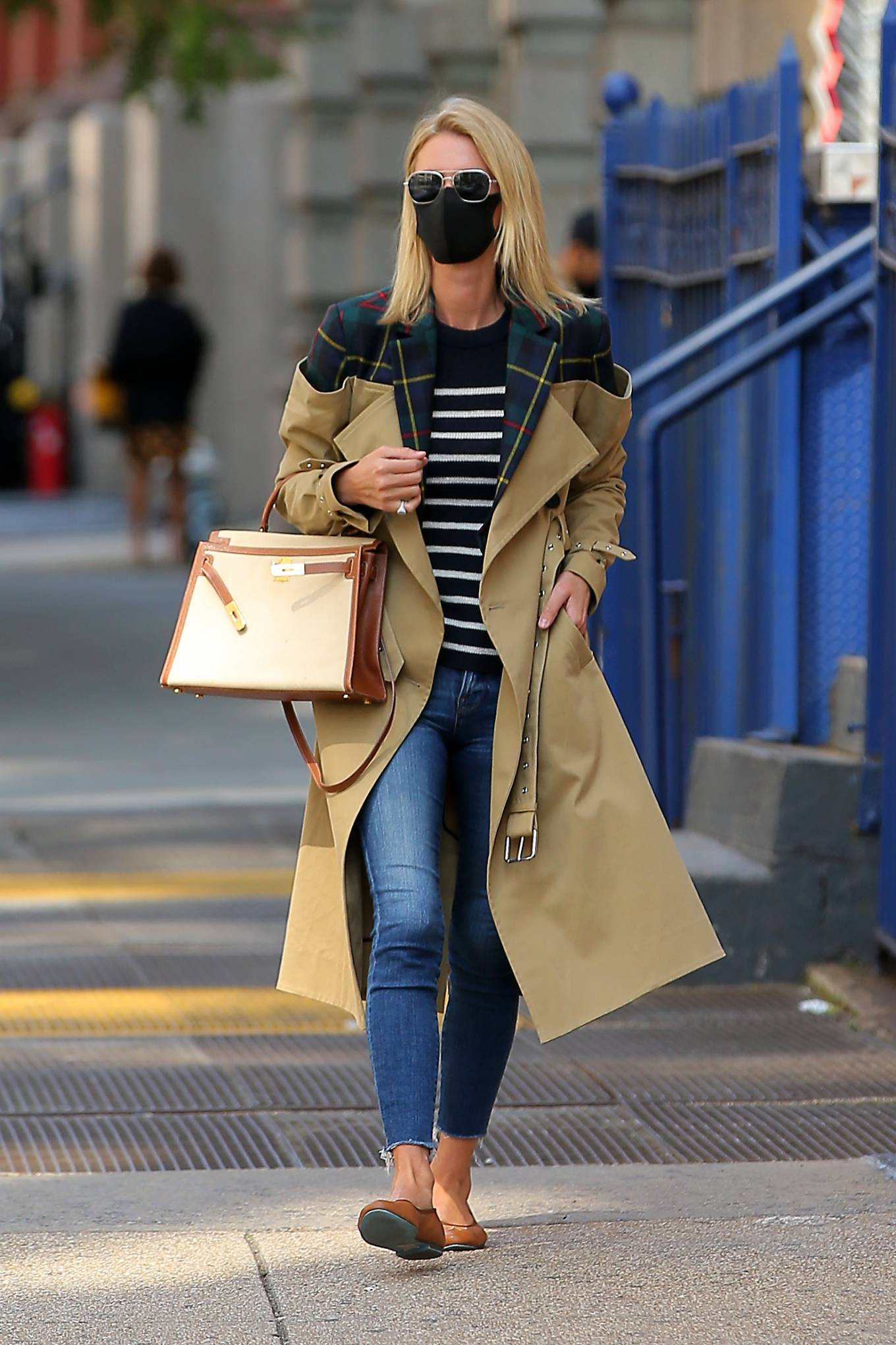 Nicky Hilton 2020 : Nicky Hilton Rothschild – Wearing a quirky trench coat in New York-05