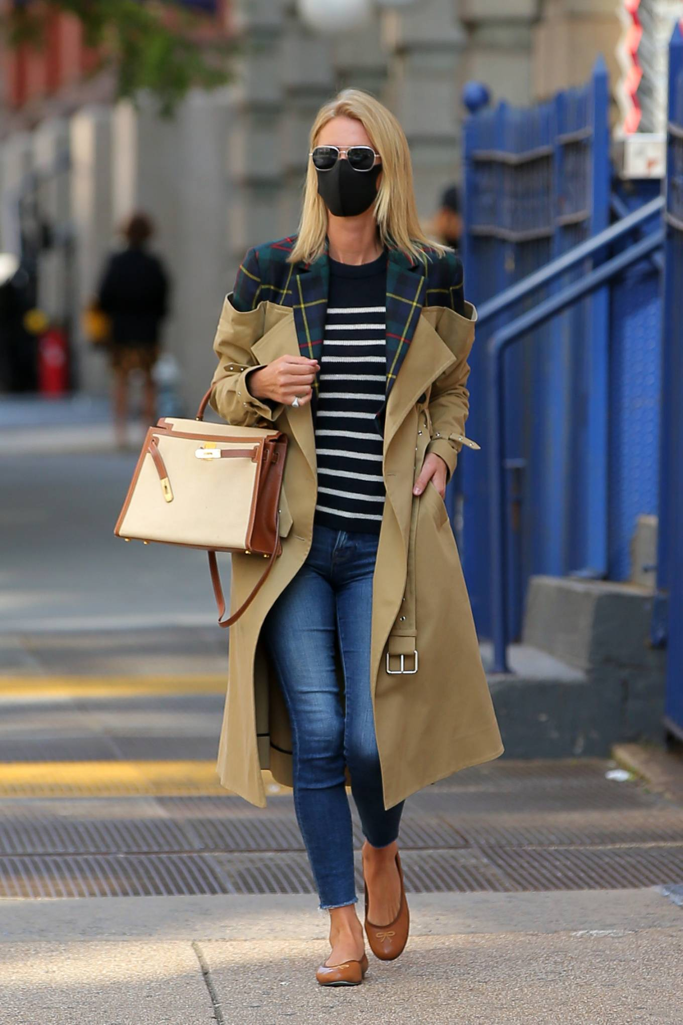 Nicky Hilton 2020 : Nicky Hilton Rothschild – Wearing a quirky trench coat in New York-10