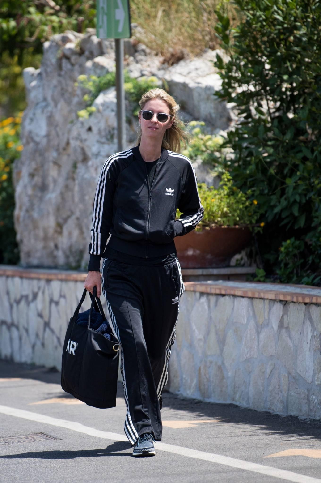 Nicky Hilton 2021 : Nicky Hilton – Seen in Capri ahead of the UNICEF italia and LuisaViaRoma summer gala -02