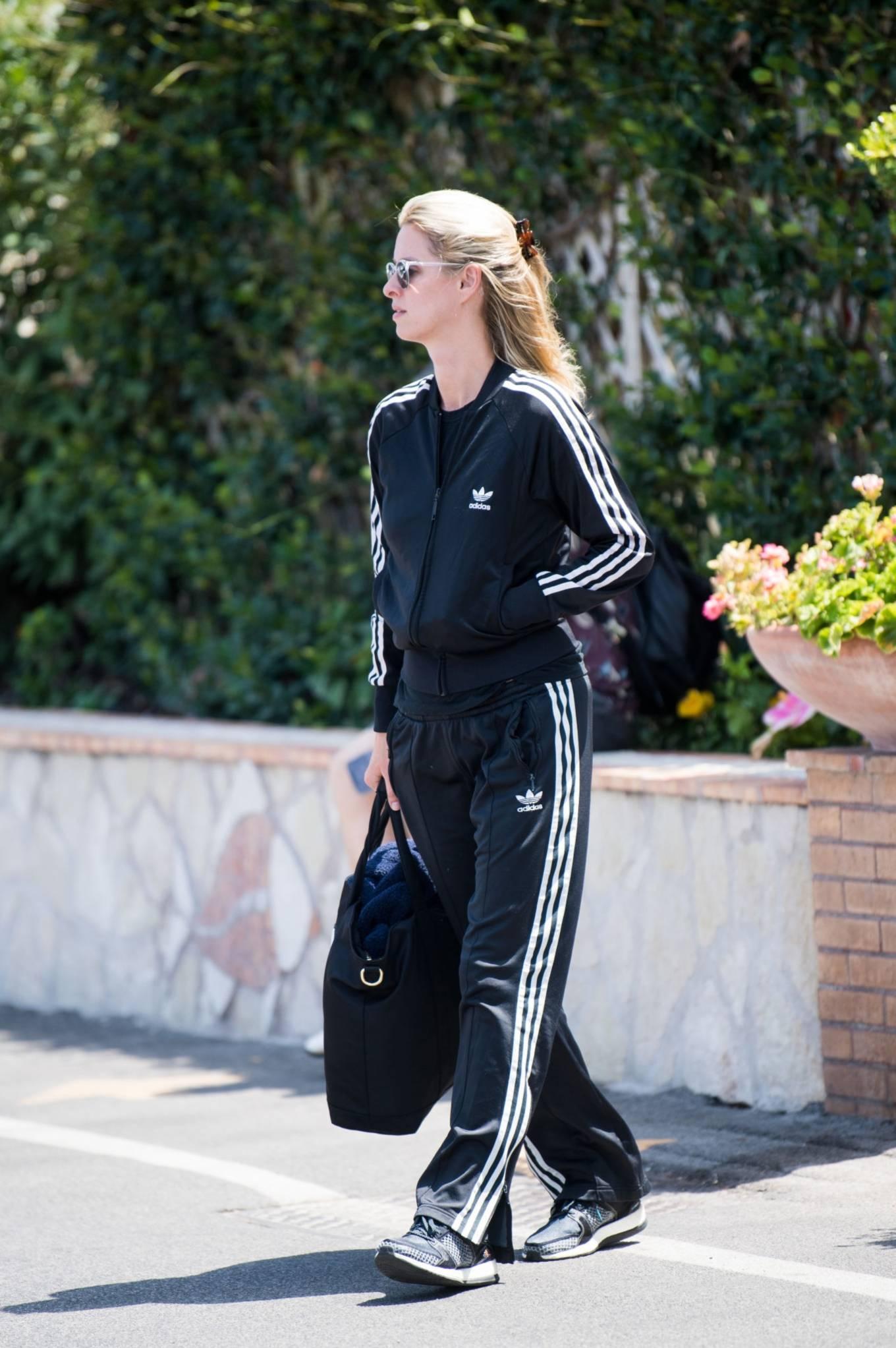 Nicky Hilton 2021 : Nicky Hilton – Seen in Capri ahead of the UNICEF italia and LuisaViaRoma summer gala -04