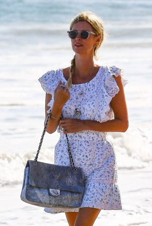 Nicky Hilton - Seen on the beach with her family in Malibu