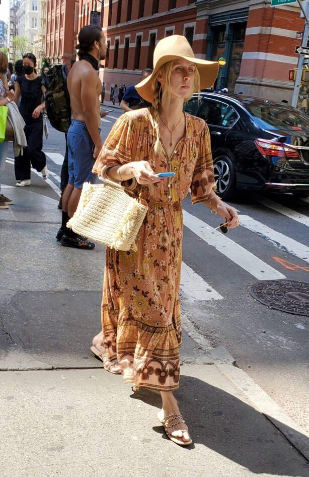 Nicky Hilton - Seen shopping around Manhattan's Soho area