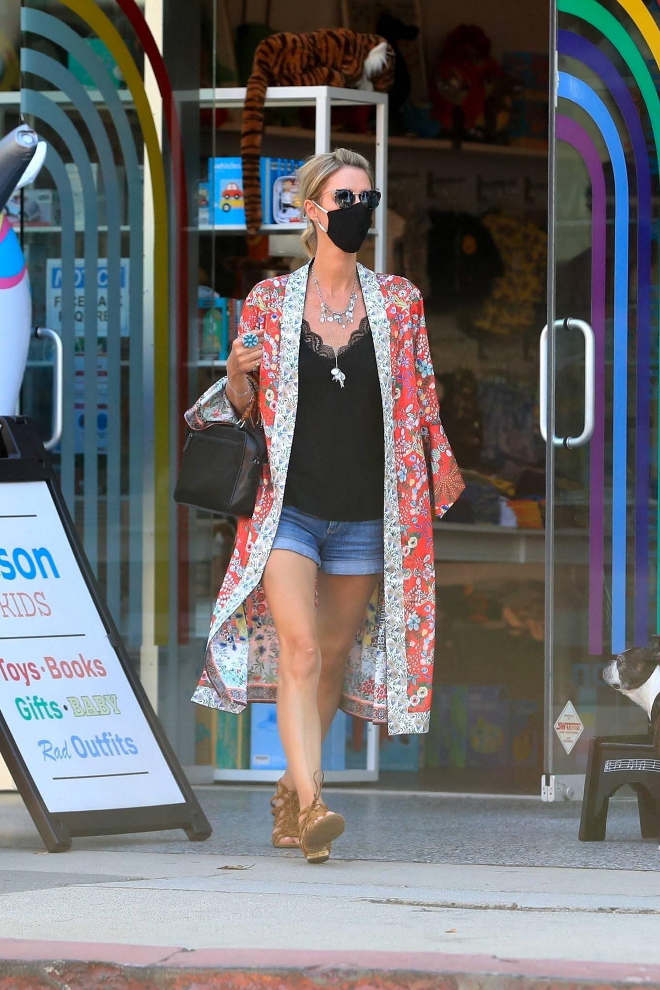 Nicky Hilton 2020 : Nicky Hilton – Shopping at Kitson Kids in West Hollywood-24