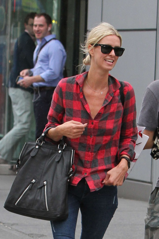 Nicky Hilton in Ripped Jeans Shopping in NYC