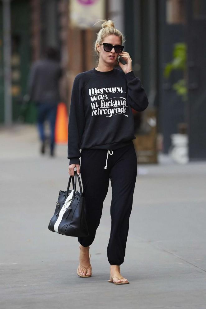 Nicky Hilton walking the street -05